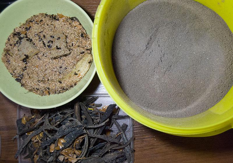 разделенные части при уборке у жука знахаря